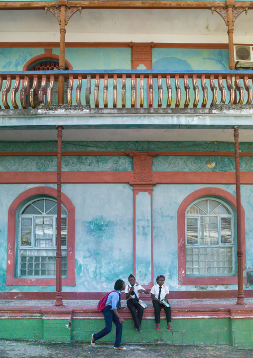 Girls In Front Of An Old Portuguese Colonial Building, Inhambane, Inhambane Province, Mozambique