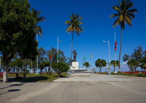 Samora Machel Statue, Beira, Sofala Province, Mozambique