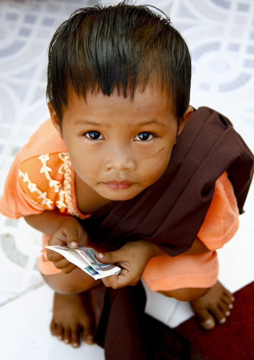 Monks Offerings Rangoon, Myanmar