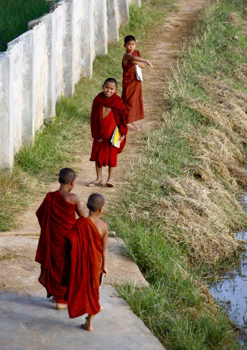 Novice Buddhist Monks In Inle Lake, Myanmar