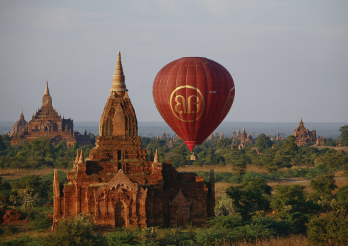 Air baloon over temples and pagodas in bagan, Myanmar