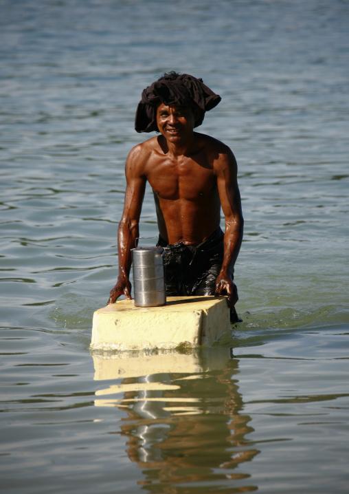 Ngapali Fisherman , Myanmar
