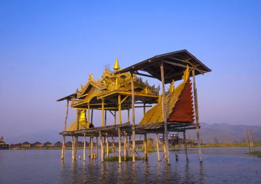 Temple in the water, Inle lake, My