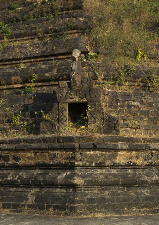 Laung bwann brauk pagoda, Mrauk u, Myanmar