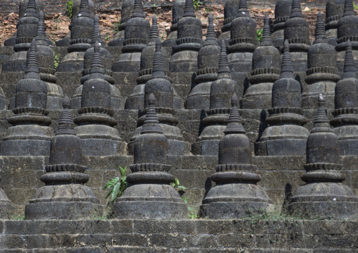 Stupas At Kothaung Temple, Mrauk U, Myanmar