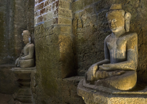 Buddha Statues In Kothaung Temple, Mrauk U, Myanmar