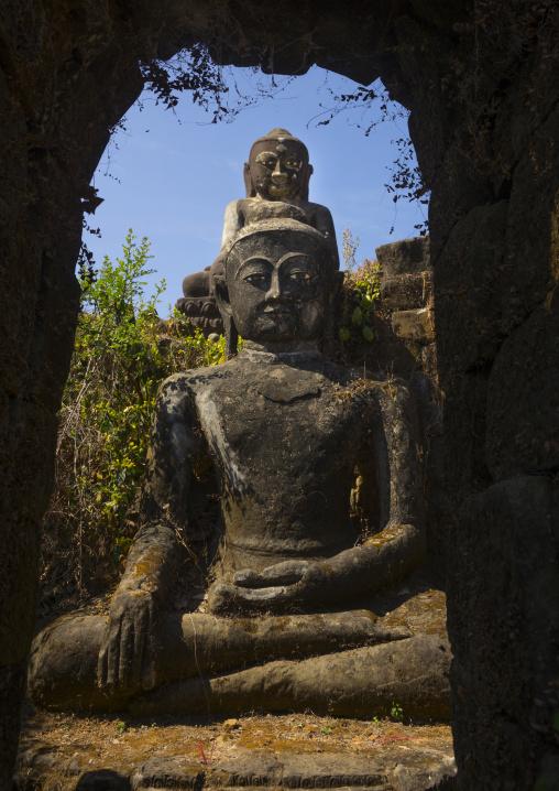 Giant buddhas statues outside kothaung temple, Mrauk u, Myanmar