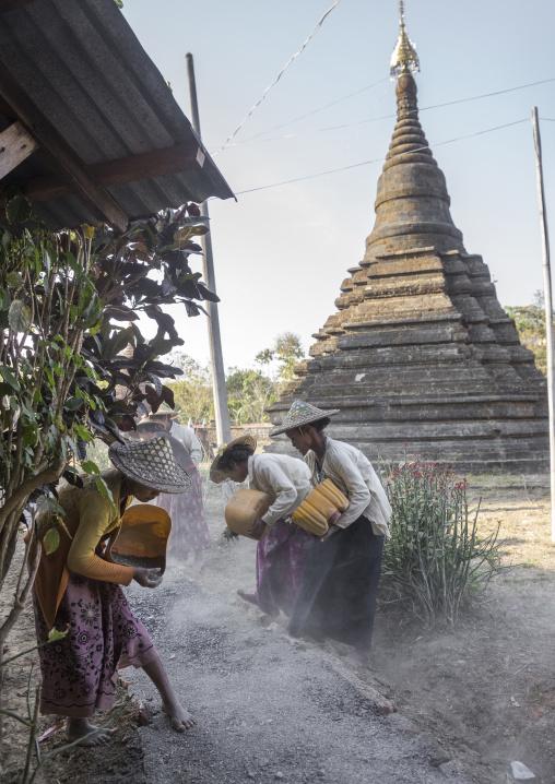 Workers at sakyamanaung paya temple, Mrauk u, Myanmar