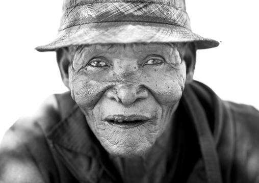 Old Bushman, Tsumkwe, Namibia