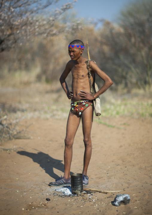 Bushman Hunter, Tsumkwe, Namibia