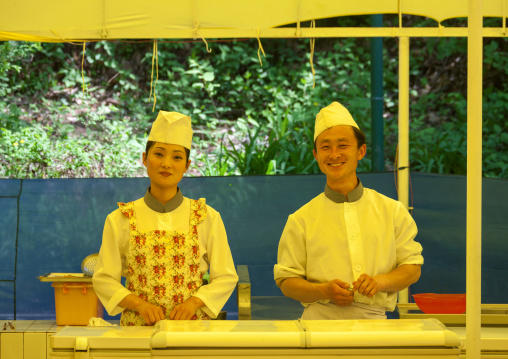 North Korean cook in hyangsan hotel restaurant, North Pyongan Province, Myohyang-san, North Korea