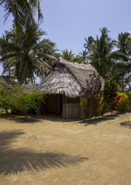 Panama, San Blas Islands, Mamitupu, Typical Kuna Homes In Kalu Obaki Lodge