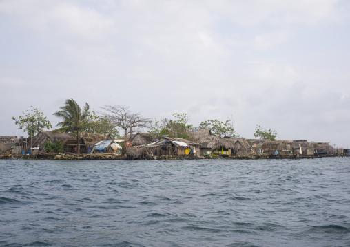 Panama, San Blas Islands, Mamitupu, Kuna Tribe Typical Homes