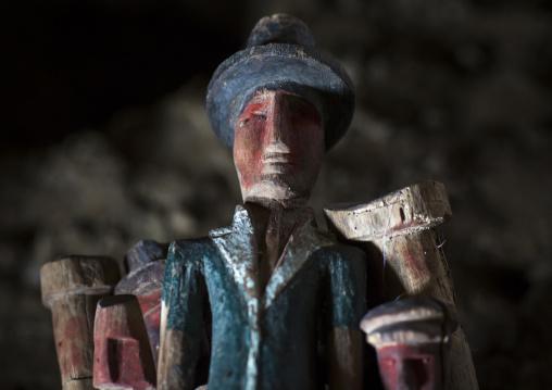Panama, San Blas Islands, Mamitupu, Nuchu Wood Statues Used By Shaman In Kuna Tribe