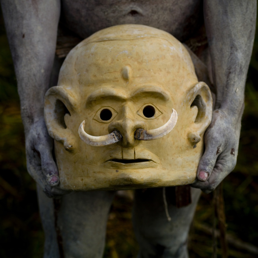 Mudman mask from Asaro during a sing-sing, Western Highlands Province, Mount Hagen, Papua New Guinea