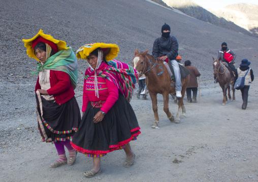 Peruvian People Climbing To The Qoyllur Riti Festival, Ocongate Cuzco, Peru