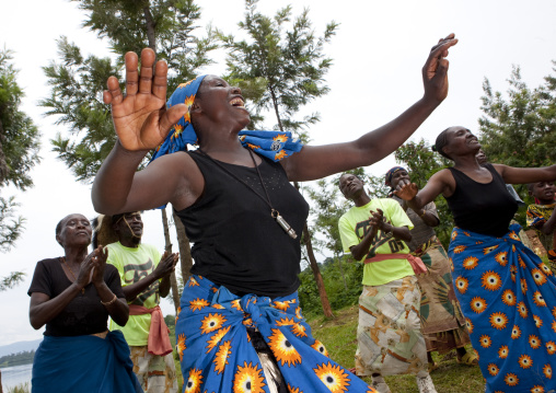 Traditional dance in nkombo island on kivu lake - rwanda