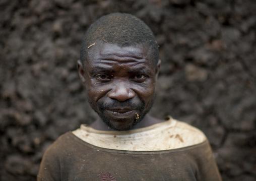 Batwa tribe man, Western Province, Cyamudongo, Rwanda