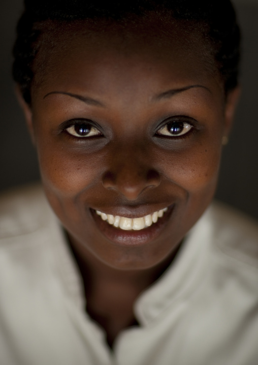 Smiling rwandan woman, Nyungwe Forest National Park, Gisakura, Rwanda
