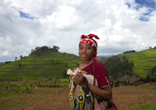 Rwandan woman in the countryside, Nyungwe Forest National Park, Gisakura, Rwanda
