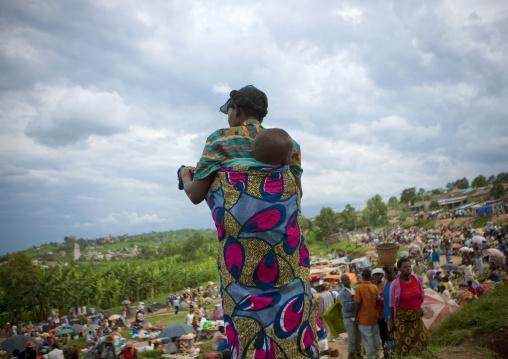 Mother and baby on a market near kigali - rwanda