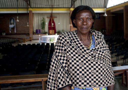Rwandan woman in kigali church, Kigali Province, Kigali, Rwanda