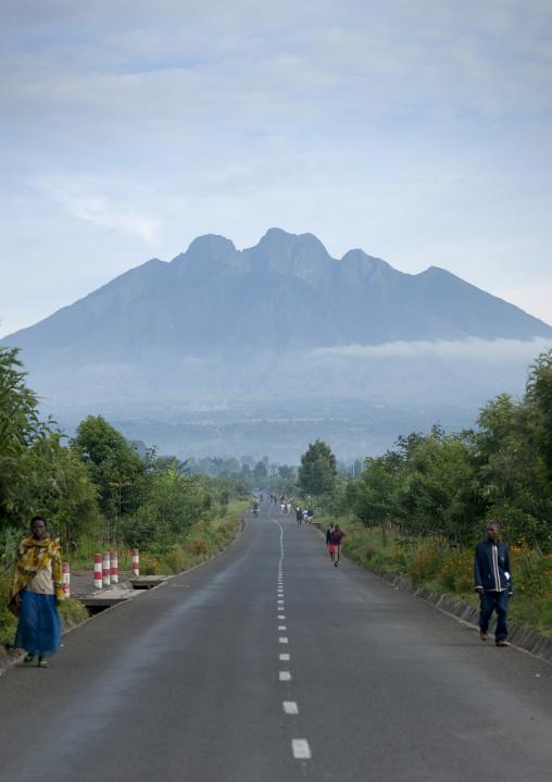 Road leading to the volcano, Northwest Province, Rehengeri, Rwanda