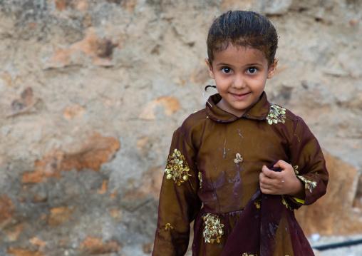 Portrait of a saudi girl with henna in the hair, Jizan province, Alaydabi, Saudi Arabia