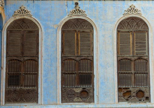 Kaki house windows, Mecca province, Taïf, Saudi Arabia