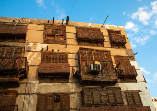 Old house with wooden mashrabiya in al-Balad quarter, Mecca province, Jeddah, Saudi Arabia