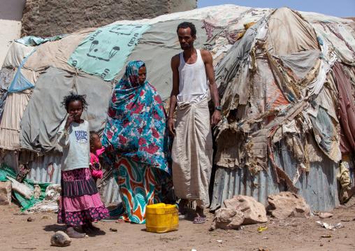 Somali family living in a slum hut made of corrugated iron and canvas, Woqooyi galbeed region, Hargeisa, Somaliland