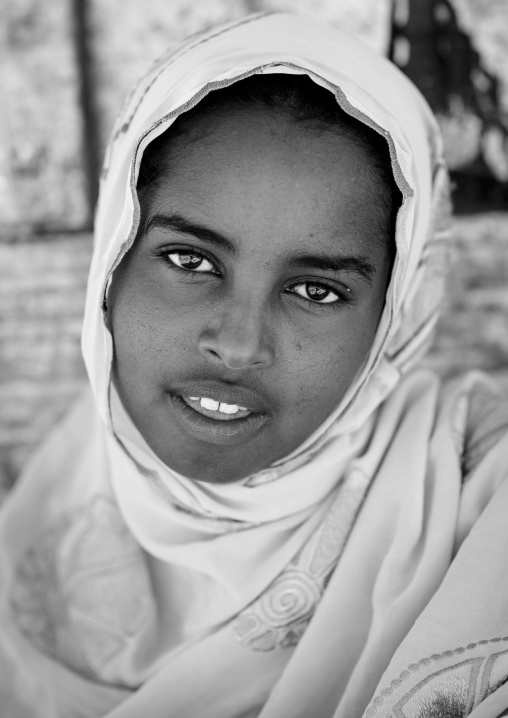 Portrait of a teenage girl with dark eyes, Lasadacwo village, Somaliland