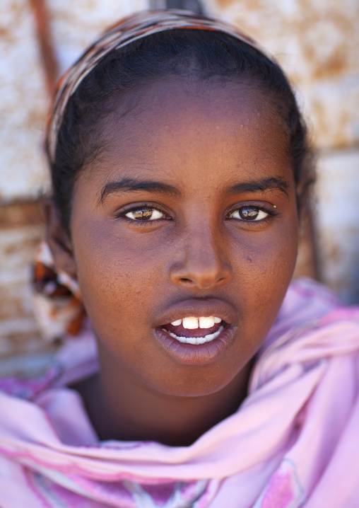 Portrait of a teenage girl with dark eyes, Lasadacwo village, Somaliland