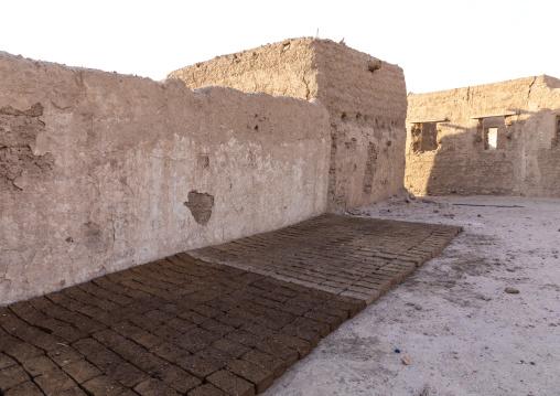 Craft manufacturing of mud bricks, Northern State, Al-Khandaq, Sudan