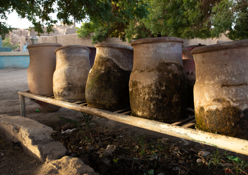 Drinking water jars, Northern State, Al-Khandaq, Sudan