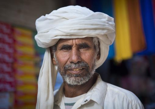Sudan, Kassala State, Kassala, rashaida tribe man
