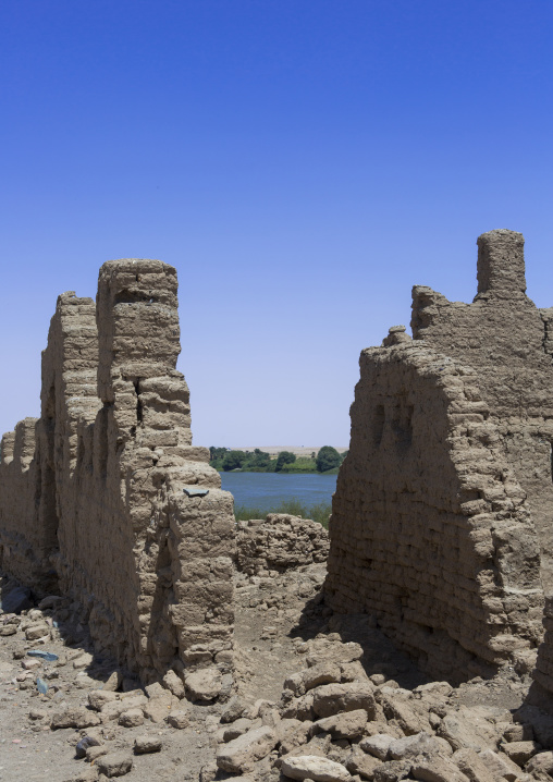 Sudan, Nubia, Sai island, ruins of the ottoman fort with the nile and jebel abri