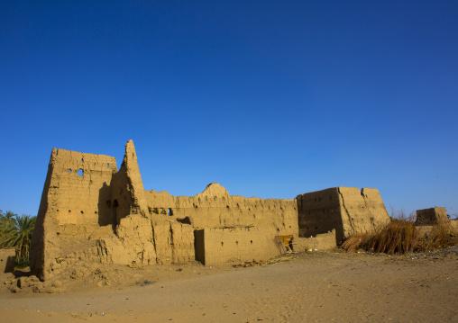 Sudan, Northern Province, Delgo, old abandonned mud brick house