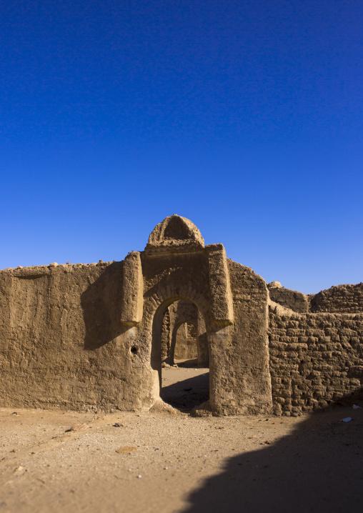 Sudan, River Nile, Al-Khandaq, old gate in al-khandaq
