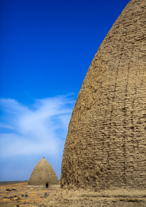 Sudan, Nubia, Old Dongola, beehive tombs