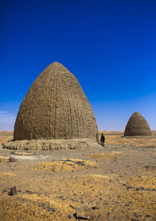 Sudan, Nubia, Old Dongola, beehive tombs