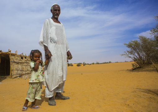Sudan, Nubia, Old Dongola, father and daughter