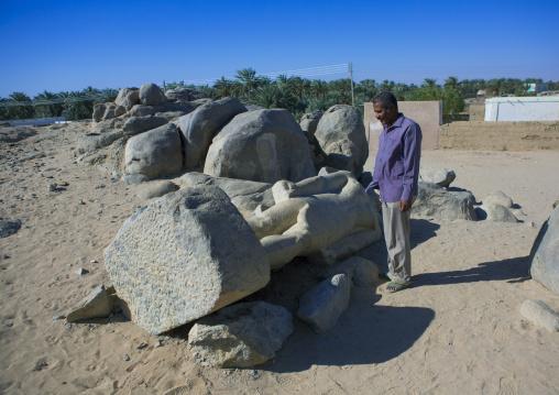 Sudan, Nubia, Tumbus, unknown king in quarry