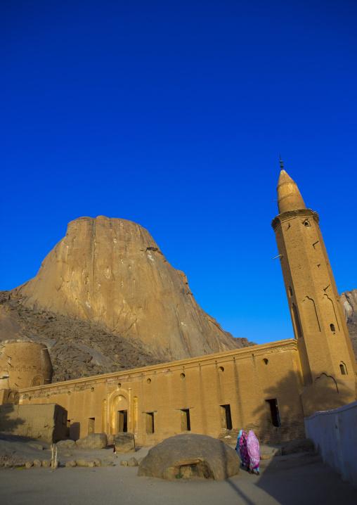 Sudan, Kassala State, Kassala, khatmiyah mosque at the base of the taka mountains