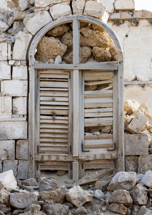 Sudan, Port Sudan, Suakin, window in a ruined ottoman coral buildings