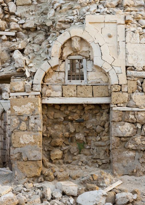 Sudan, Port Sudan, Suakin, door in a ruined ottoman coral buildings