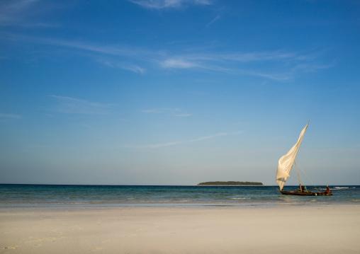 Tanzania, Zanzibar, Matemwe, dhow on shore