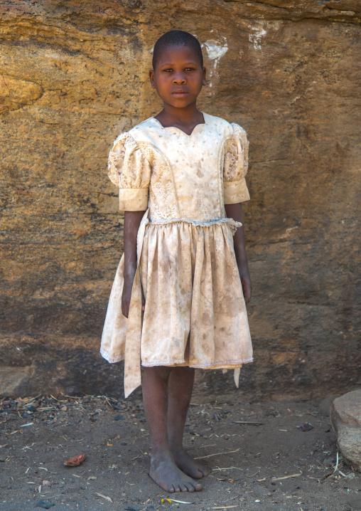 Tanzania, Serengeti Plateau, Lake Eyasi, hadzabe tribe girl with modern clothes