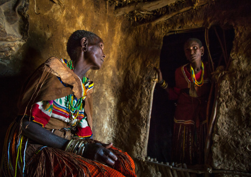 Tanzania, Serengeti Plateau, Lake Eyasi, datoga tribe women with scarifications and tattoos on the face