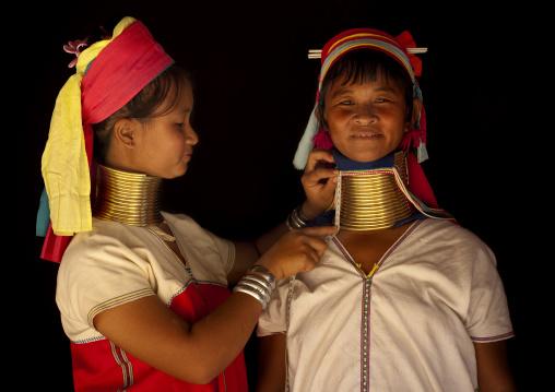 Long neck women, Mae hong son, Thailand